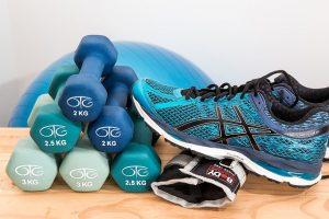 image avec des poids pour faire des exercice physique
